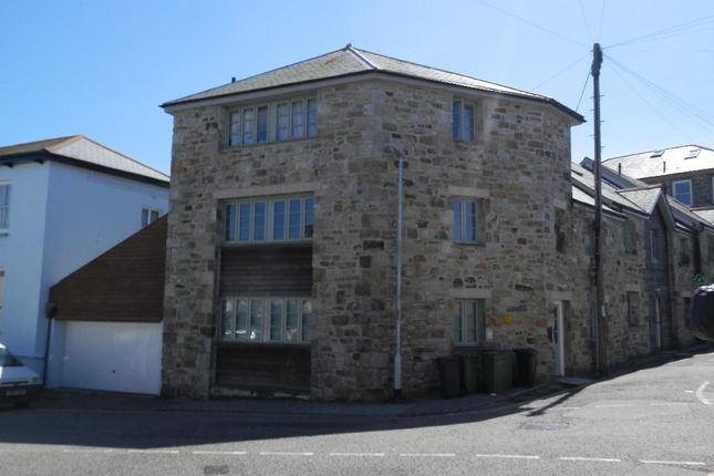 2 bed duplex to rent in Leskinnick Place, Penzance