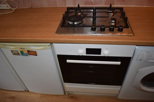 Thumbnail Maisonette to rent in Beeton Close, Hatch End