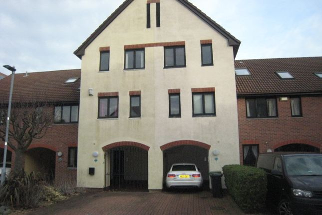 Thumbnail Town house to rent in Newlyn Way, Port Solent