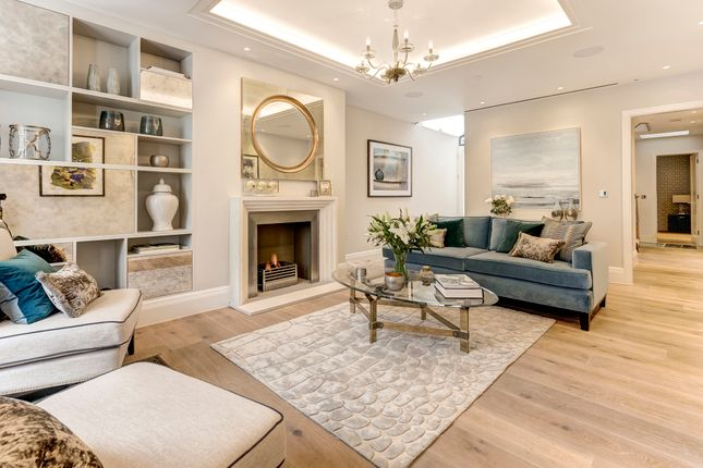4 bed property for sale in Donne Place, London