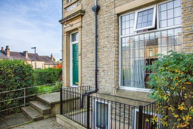 7 bed terraced house to rent in Birkby Hall Road, Birkby, Huddersfield