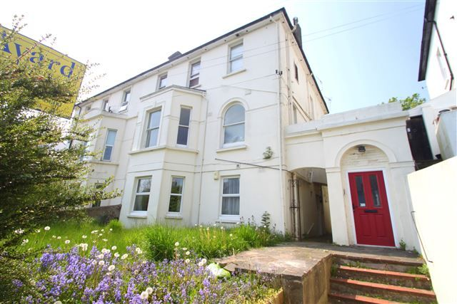 Thumbnail Flat for sale in Richmond Road, Brighton