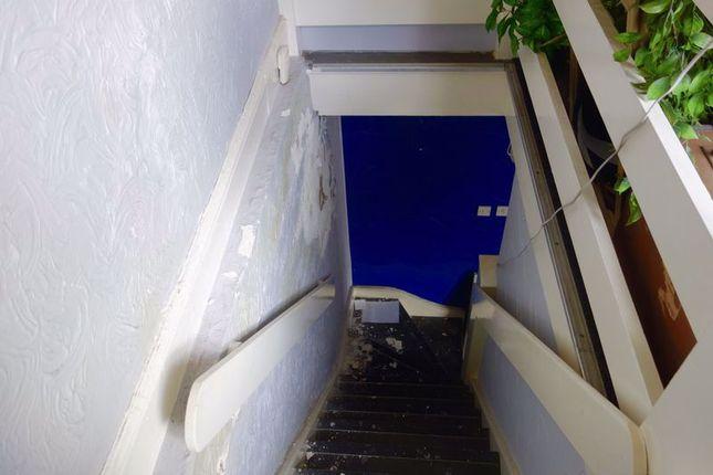 Staircase of The Ropewalk, Neath, 1Es. SA11
