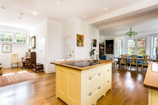 Thumbnail Detached house for sale in Cumnor Hill, Oxford, Oxfordshire