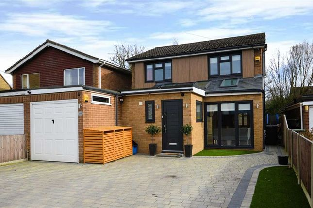 4 bed link-detached house for sale in Hemnall Street, Epping, Essex