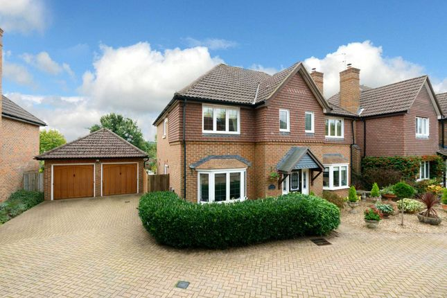 Thumbnail Detached house for sale in Latchford Place, Boxmoor