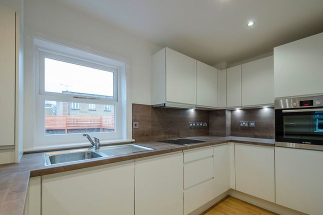 Thumbnail Flat to rent in Langton, Road, London