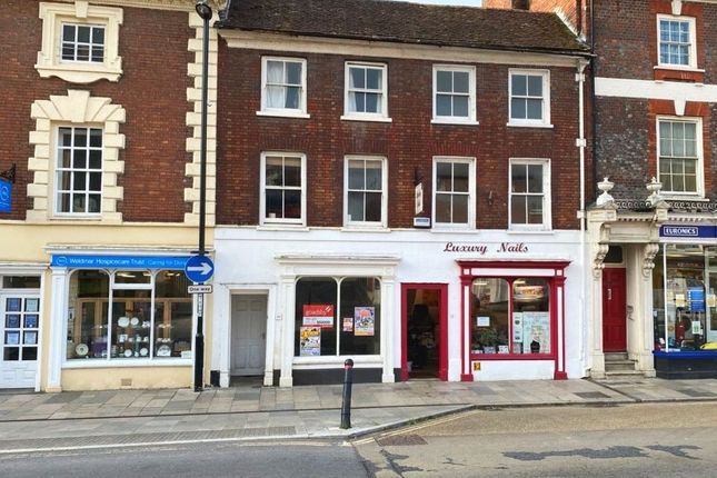 2 bed flat to rent in Market Place, Blandford Forum DT11
