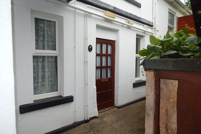 Thumbnail Flat to rent in Vicarage Road, Torquay