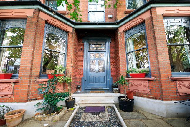 Thumbnail Property for sale in Sandycombe Road, Kew, Surrey
