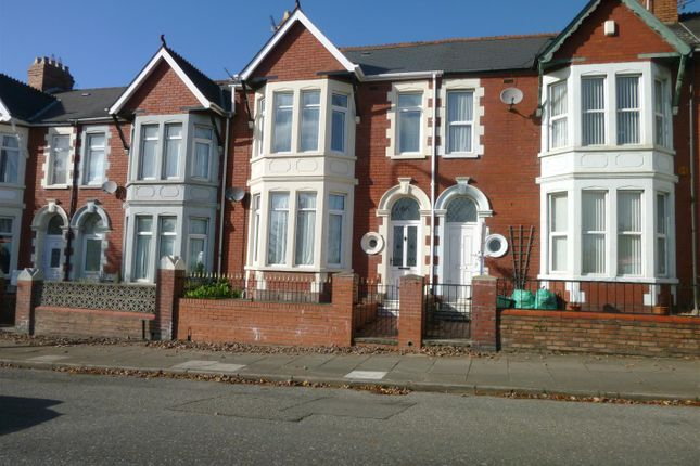 2 bed flat to rent in Broad Street, Barry CF62