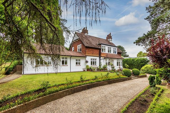 Thumbnail Detached house for sale in Park View Road, Woldingham, Caterham