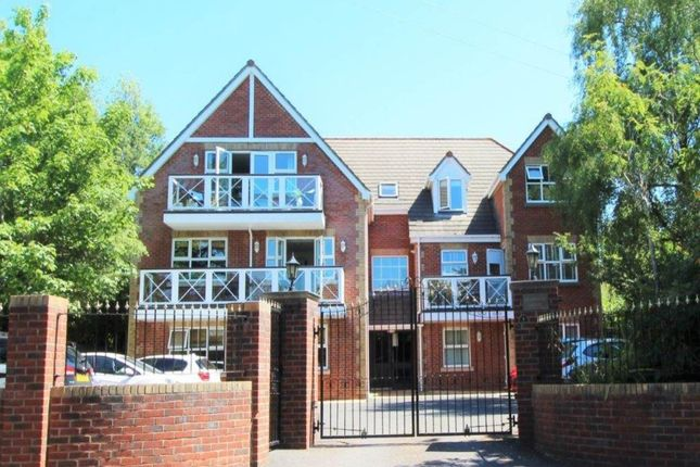 2 bed flat to rent in Nelson Road, Westbourne, Bournemouth BH4