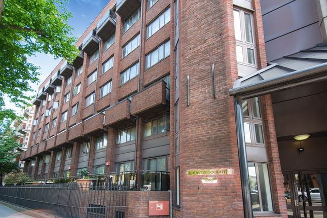 2 bed flat for sale in Earls Court, London