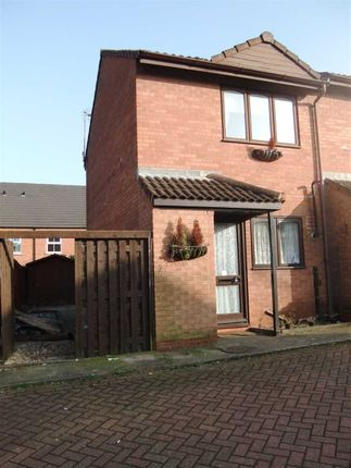 Thumbnail Town house for sale in Mackender Court, Scunthorpe