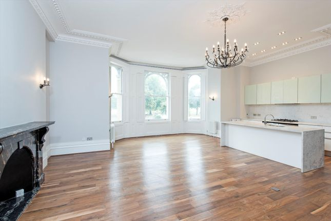 Thumbnail Flat to rent in Thornton Place, Clapham Common North Side, Clapham, London