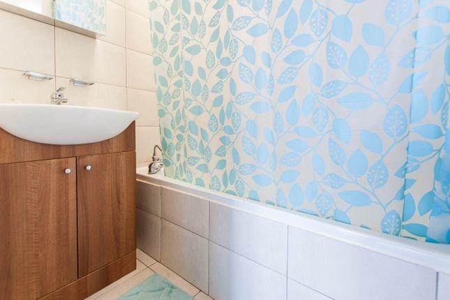 Bathroom  of Lilestone Street, Lisson Grove, Central London NW8