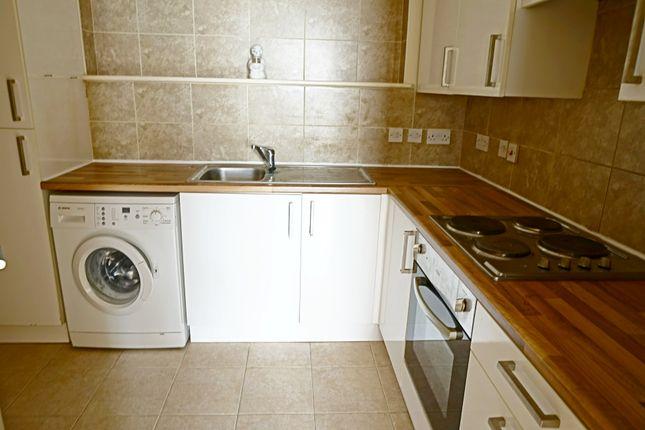 Thumbnail Flat for sale in Egerton Villas, Green Lane, Folkestone