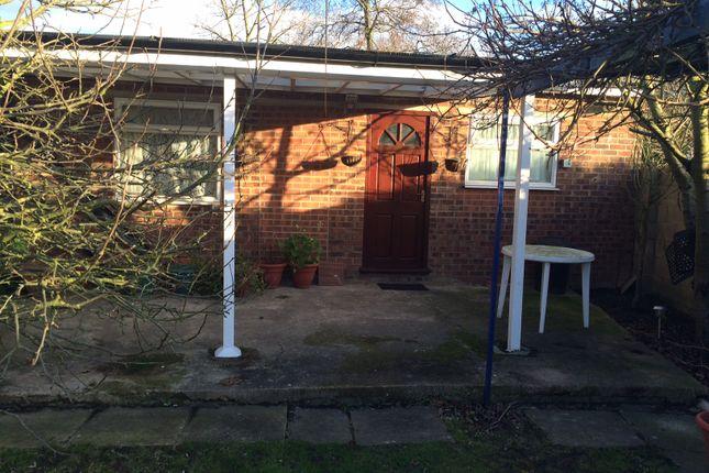 Thumbnail Studio to rent in Mornington Cresent, Cranford, Hounslow