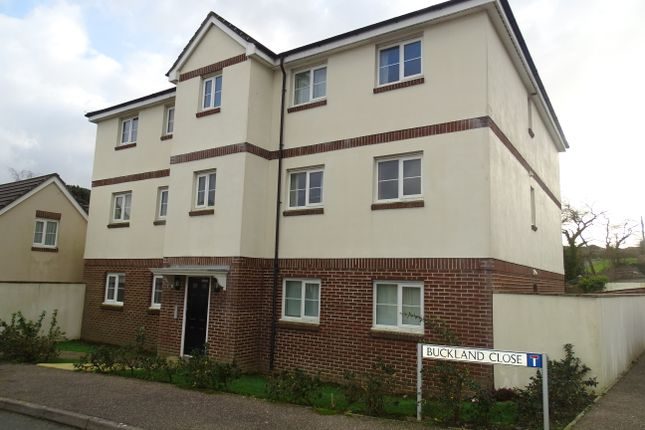 Thumbnail Flat to rent in Buckland Close, Bideford
