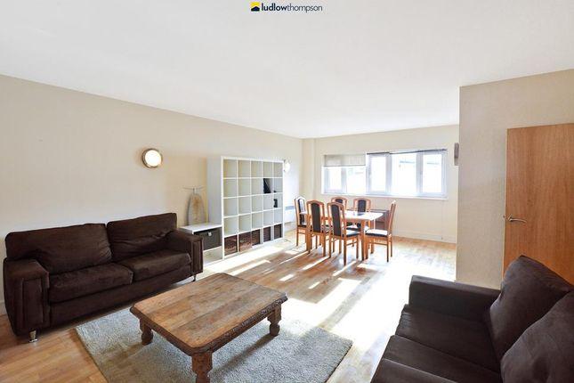 Thumbnail Flat to rent in Royal Oak Yard, London