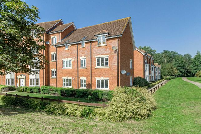 Thumbnail Flat for sale in Woodall Close, Middleton