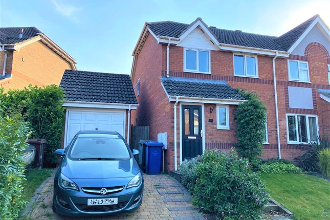 Thumbnail Property to rent in Calthorpe Close, Bury St. Edmunds