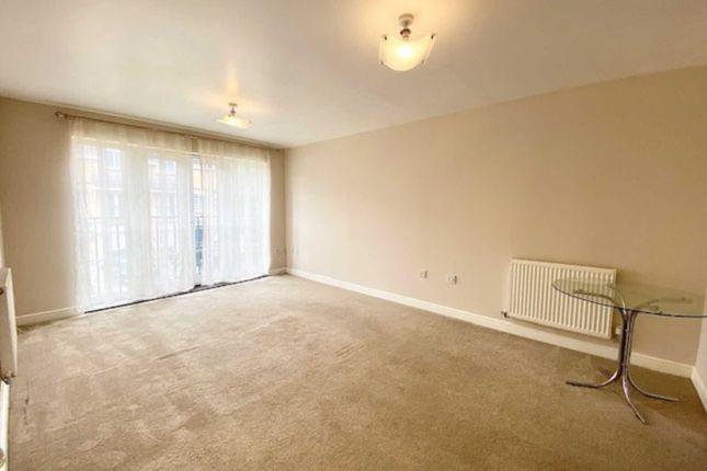 Thumbnail Flat to rent in Coleridge Way, Borehamwood