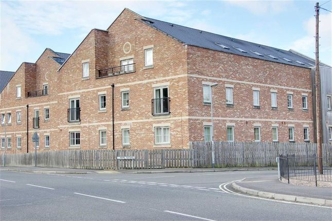 Thumbnail Flat for sale in Piccadilly Heights, Wain Avenue, Chesterfield, Derbyshire