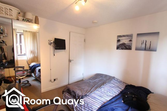 Thumbnail Shared accommodation to rent in Rotherhithe Street, London