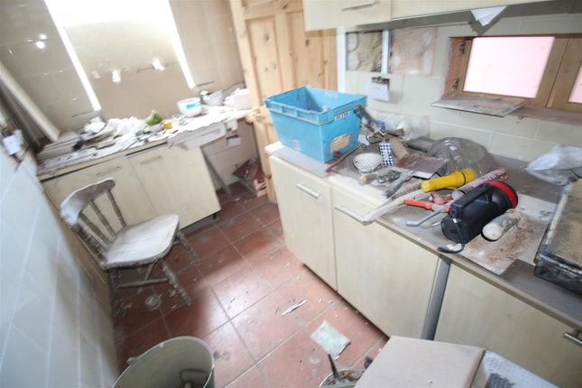 Kitchen of Granton Street, Bradford BD3