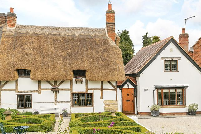 Thumbnail Cottage for sale in Chapel Street, Welford On Avon, Stratford-Upon-Avon, Warwickshire