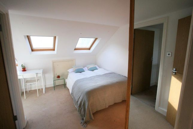 Thumbnail Shared accommodation to rent in Shuttleworth Road, London