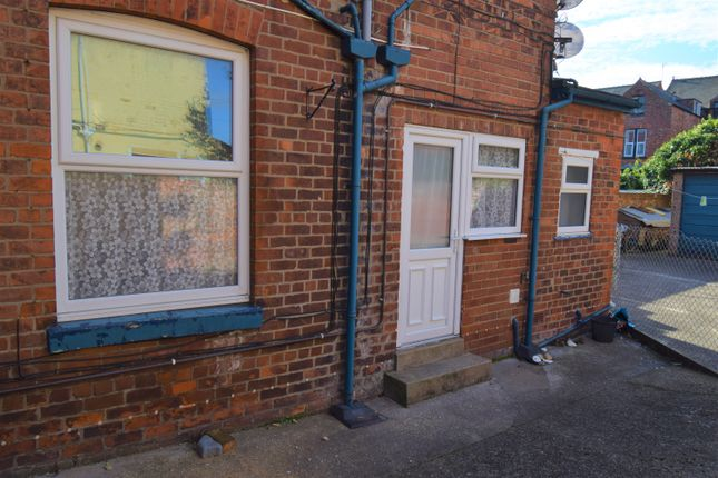 Thumbnail Flat to rent in 44 Trinity Road, Bridlington, East Riding Of Yorkshire