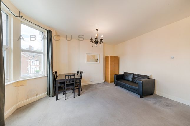 Thumbnail Flat to rent in Chapter Road, Willesden