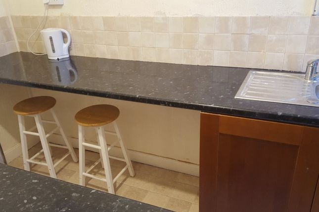 Thumbnail Shared accommodation to rent in Crown Road, Great Yarmouth