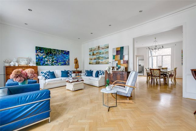 Flat for sale in Wilton Crescent, London