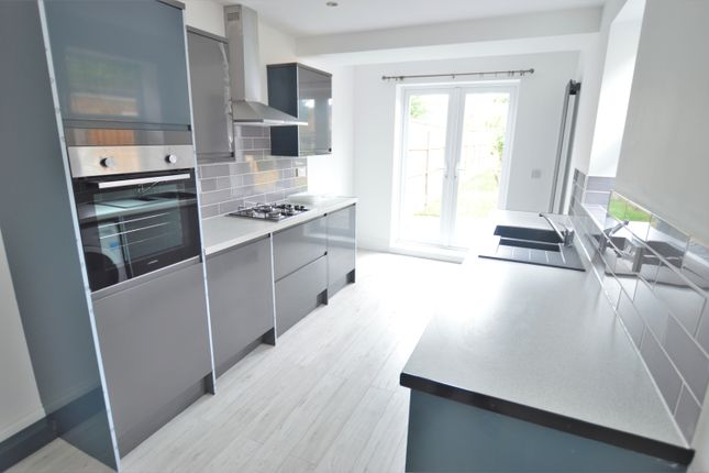 Thumbnail Semi-detached house to rent in Montague Road, Slough, Berkshire