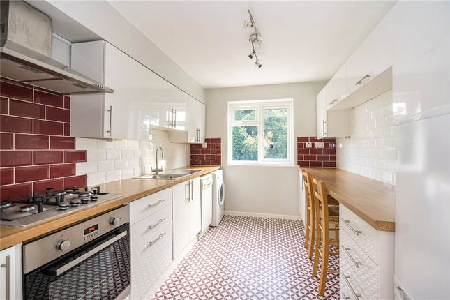Fitted Kitchen of King James Way, Henley-On-Thames, Oxfordshire RG9