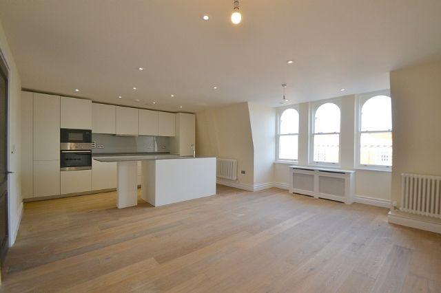 Thumbnail Flat to rent in Kensington High Street, Kensington, London
