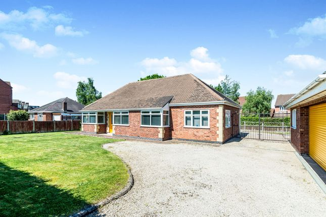 Thumbnail Detached bungalow for sale in Tamworth Road, Amington, Tamworth