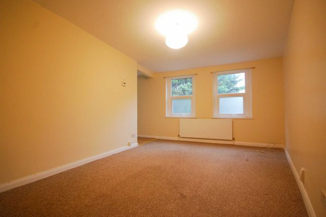 Thumbnail Flat to rent in Cann Hall Road, London