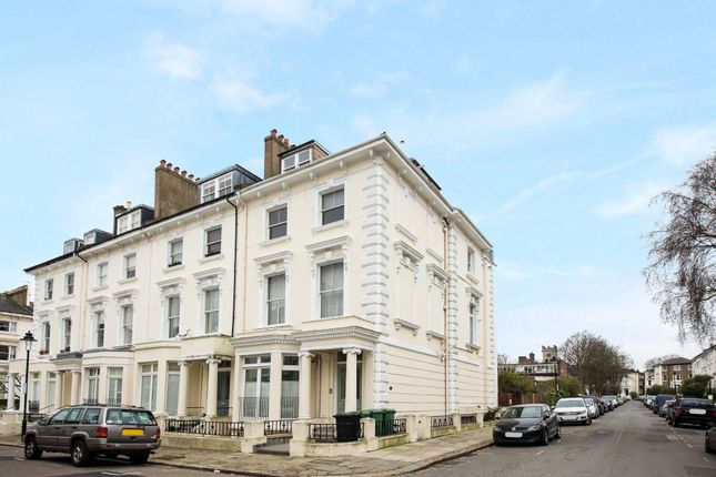2 bed flat for sale in Belsize Square, London NW3