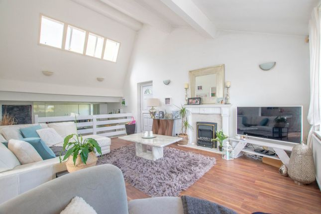3 bed maisonette for sale in Linnet Close, Cardiff CF23