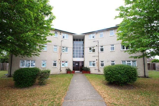 3 bed flat for sale in Eastcote Avenue, West Molesey KT8