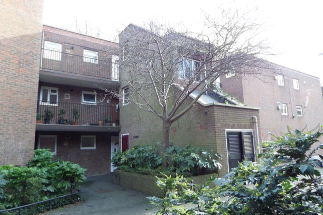 1 bed flat for sale in Garrick Close, Ealing W5