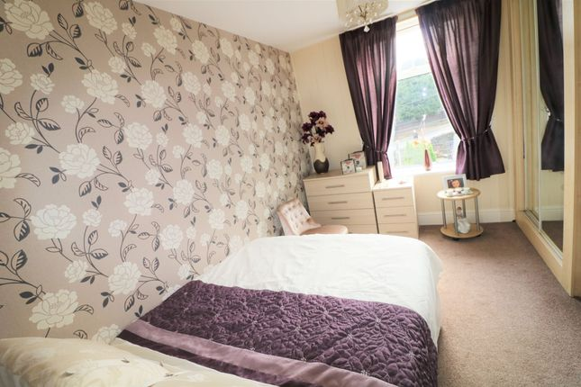 Photograph 8 of Castlefields Drive, Rastrick, Brighouse HD6