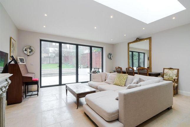 Thumbnail Terraced house for sale in Tilehurst Road, London