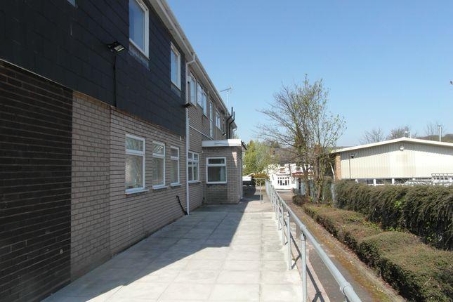 Thumbnail Studio to rent in Charlton Street, Oakengates, Telford