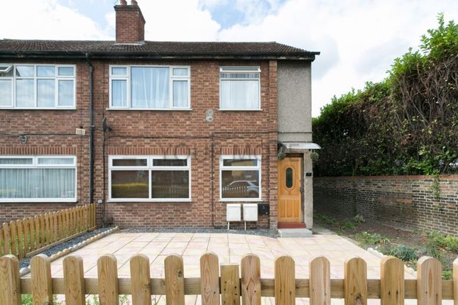 Thumbnail Flat for sale in Markhouse Road, London
